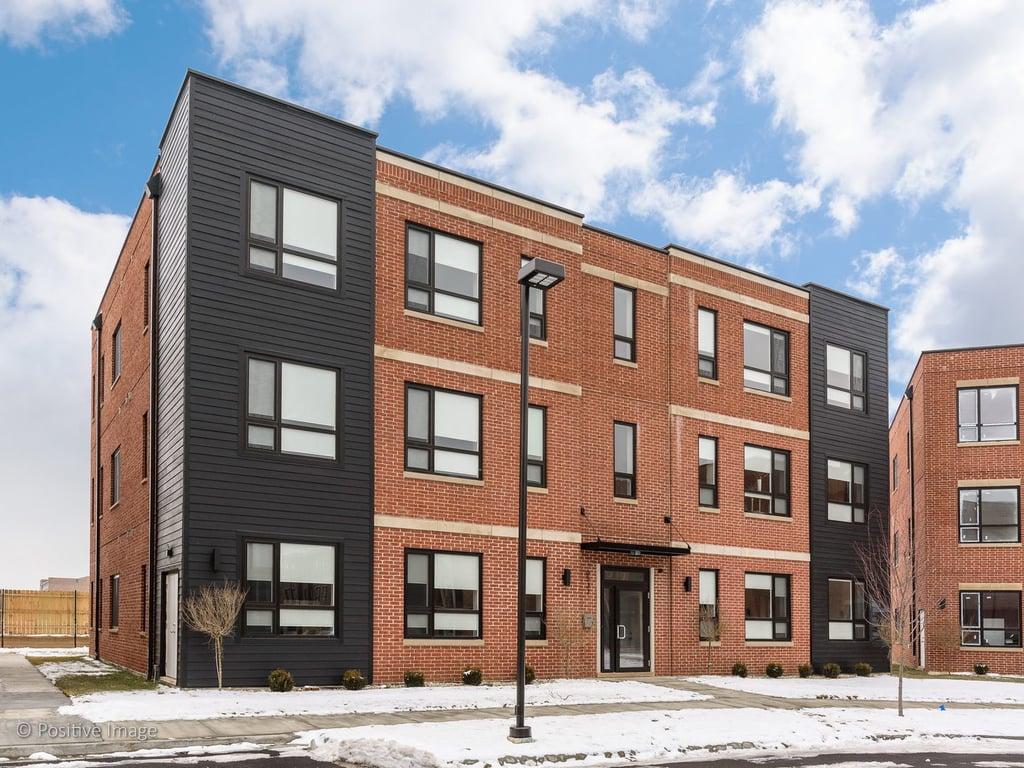 6542 W DICKENS Avenue -3W Chicago, IL 60707